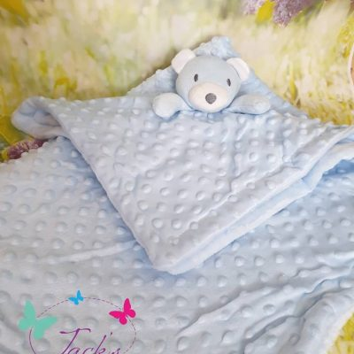 BUBBLE WRAP AND COMFORTER
